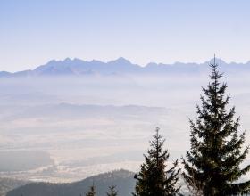 Wycieczka na Turbacz w Gorcach - panorama, widok na Tatry