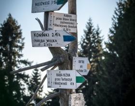 Wycieczka na Turbacz w Gorcach - drogowskaz
