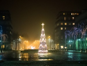 Nowa Huta – Plac Centralny – zimowym wieczorem